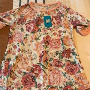 Floral Tee Beautiful 12PM by Mon Ami LG NWT